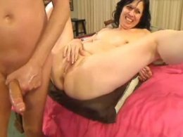 Mature woman takes big dick in her rack