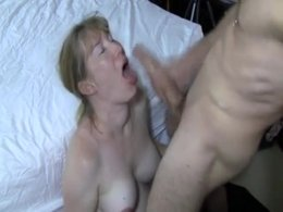 Pretty mature blonde wife are submissive with husband and accept this video