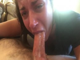 Awesome sloppy blowjob at home ends with a nice big facial