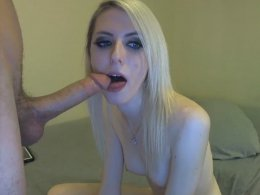 Facial Coverage In A Hot Webcam Session With A Blonde GF