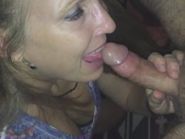 Amazing MILF sucking skills, just look at her