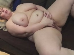 Big fat white chick stimulating her cunt