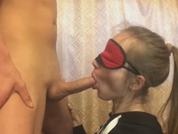 Amateur blonde girlfriend sucking a dick until a facial