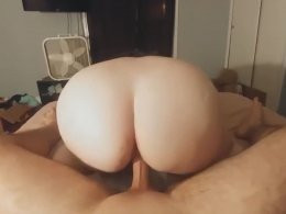 Stunning girl gets her cunt drilled in POV